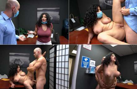 limp - 3376 Big Titty Uber Eats Driver Mesmerized Fucked.mp4